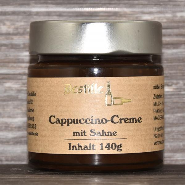 Cappuccino-Creme mit Sahne