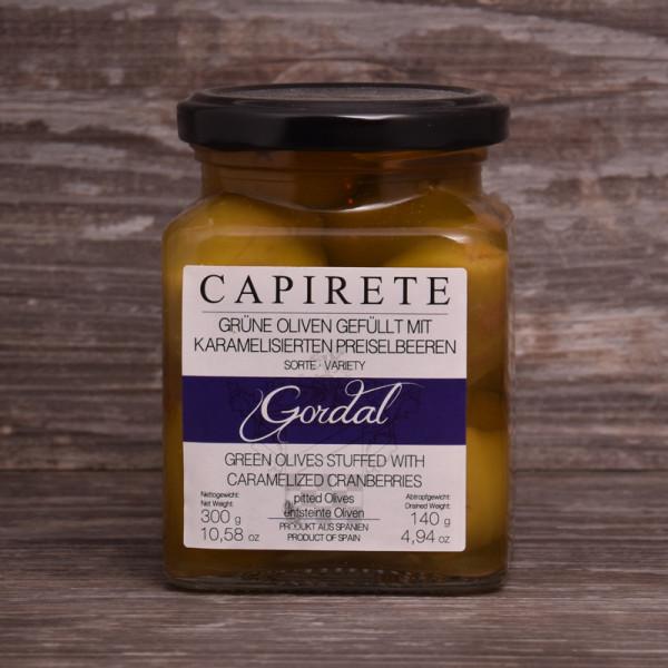 Oliven mit Preiselbeeren